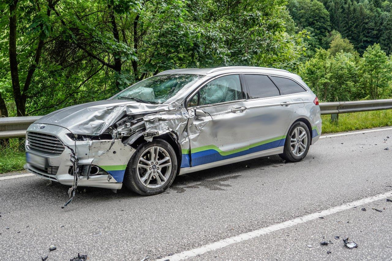 Technischer Einsatz – Schwerer Verkehrsunfall auf der B25!